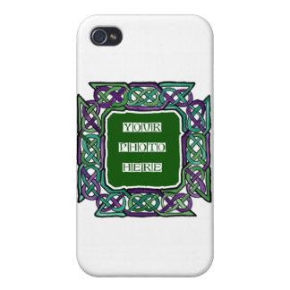 Marcos púrpuras y verdes de Knotwork del Celtic iPhone 4/4S Funda