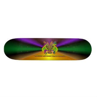 Mardi-Gras-Mask-The-Queen-V-3 Skateboard