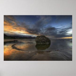 Marea baja de la playa del cañón en el Océano Pací Poster