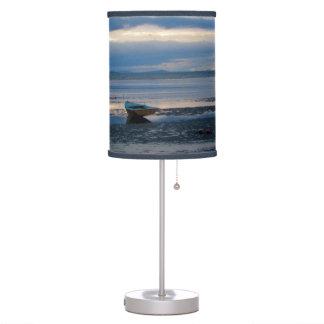 Marea baja en bahía del abedul lámpara de mesa