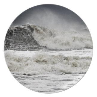 Mares que rabian del huracán Sandy Platos
