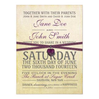 Marfil del vintage e invitación púrpura del boda
