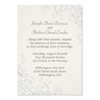 Marfil elegante e invitación clásica blanca del