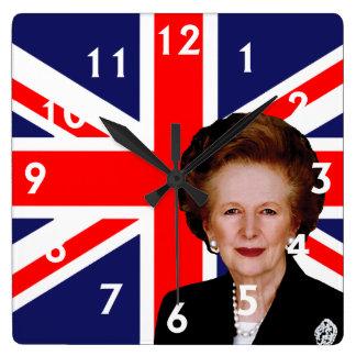 Margaret Thatcher y bandera británica Reloj Cuadrado