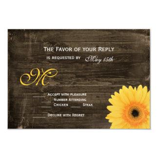 Margarita amarilla de madera del granero rústico invitaciones personales