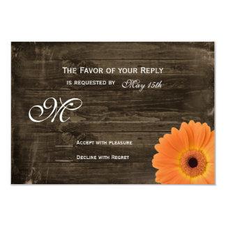 Margarita anaranjada de madera del granero rústico comunicados personales