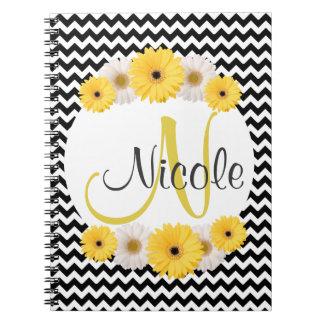 Margarita blanca negra personalizada monograma del libro de apuntes con espiral