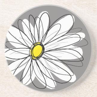 Margarita caprichosa en gris y amarillo posavasos manualidades