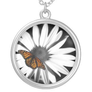 Margarita de Avante+Collar de plata de la mariposa Collar Plateado