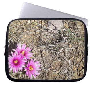 Margarita del cactus del desierto fundas computadoras