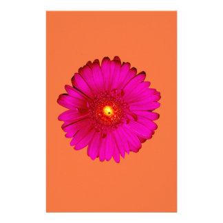 Margarita del Gerbera de las rosas fuertes en el Papeleria De Diseño