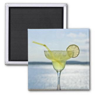 Margarita por el mar imán cuadrado