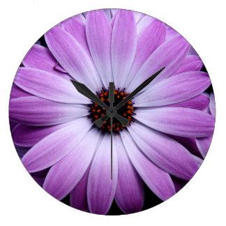 Margarita púrpura relojes de pared