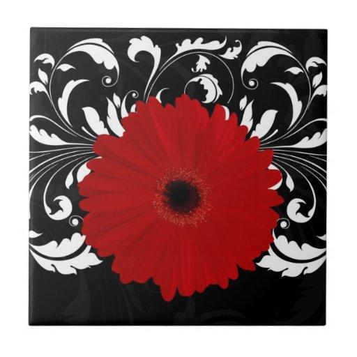 Margarita roja brillante del Gerbera en negro Azulejo Cerámica