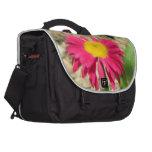 Margarita rosada brillante bolsas para portatil