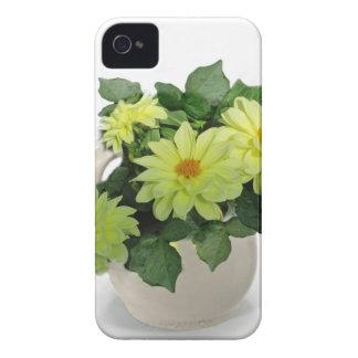 Margaritas amarillas en una jarra funda para iPhone 4 de Case-Mate