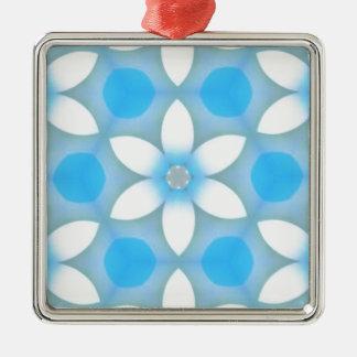 Margaritas azules blancas en hexágonos adorno cuadrado plateado
