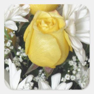 Margaritas blancas del rosa amarillo colcomanias cuadradas