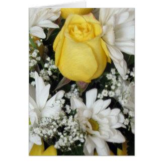 Margaritas blancas del rosa amarillo tarjeta de felicitación
