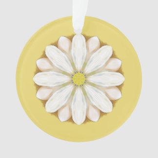 Margaritas blancas en amarillo de oro
