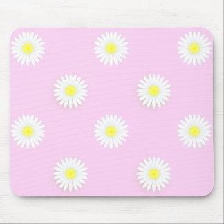 "Margaritas del ""flower power"": Rosado-Yel-Blanco Mouse Pads"