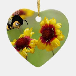 Margaritas del Mt. Shasta y abeja de Nonzomb Adorno Navideño De Cerámica En Forma De Corazón