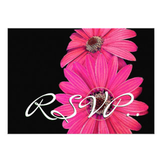 Margaritas rosadas bonitas RSVP que casa la tarjet Invitaciones Personalizada