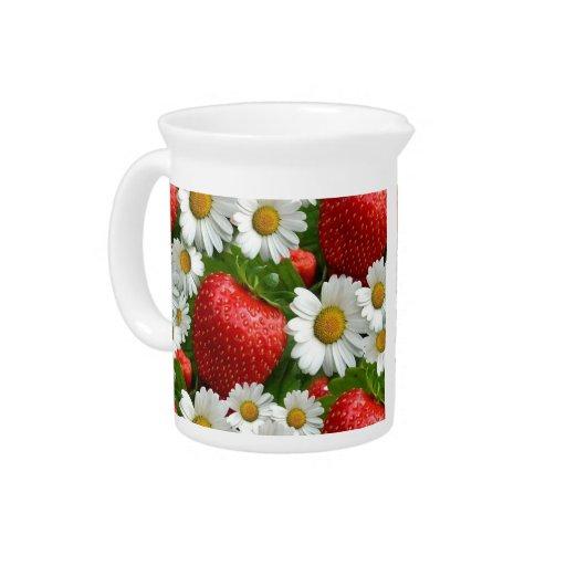 Margaritas y fresas jarras para bebida