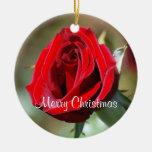 Maria personalizó el ornamento del rosa rojo adorno redondo de cerámica
