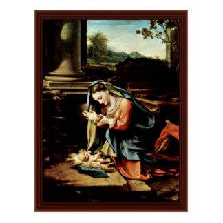 Maria que adora al niño por Correggio Postal