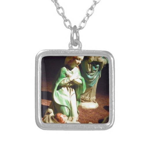 Maria y bebé Jesús Collar Plateado