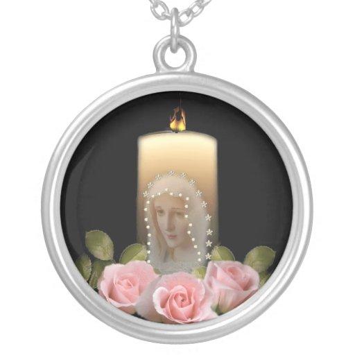 Maria y rosas colgante redondo