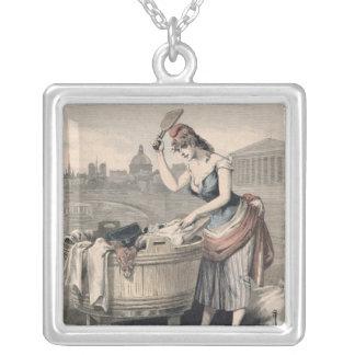 Marianne la reina de las lavanderas collar plateado