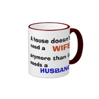 ¿Marido de casa? Taza A Dos Colores