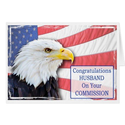 Marido, encargando con un águila calva tarjeta de felicitación