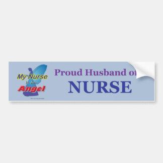 Marido orgulloso de una enfermera 1 pegatina para auto