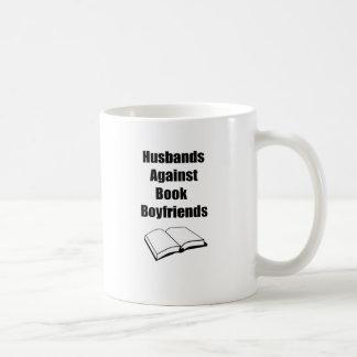 Maridos contra novios del libro taza de café