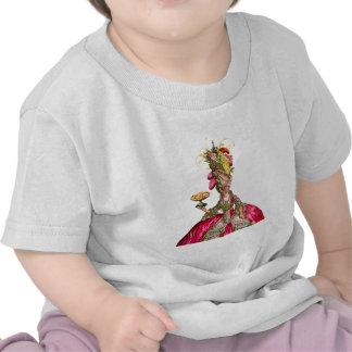 Marie Antonieta con las tortas y el pavo real Camiseta