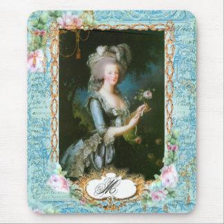 Marie Antonieta con los rosas y el cordón rosados Alfombrilla De Ratón