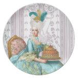 Marie Antonieta en aguamarina con la torta Platos
