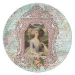 Marie Antonieta en rosa con los rosas rosados Platos De Comidas