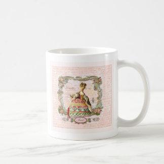 Marie Antonieta en rosa Taza Básica Blanca