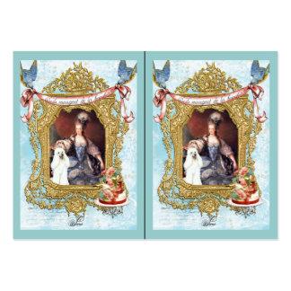 Marie Antonieta y caniche blanco en marco de lujo Tarjetas De Negocios