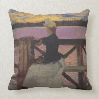 Marie Gallén at the Kuhmoniemi-bridge Pillow