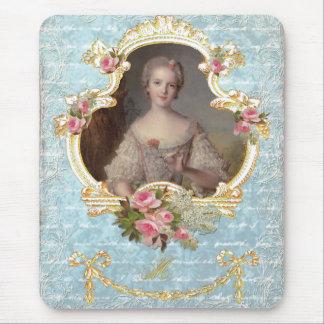Marie joven Antonieta con los rosas rosados Alfombrilla De Ratón