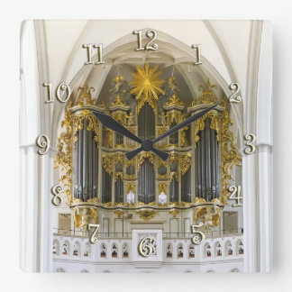 Marienkirche, Berlin wall clock