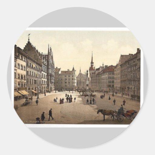 Marienplatz, Munich, Bavaria, Germany magnificent Classic Round Sticker