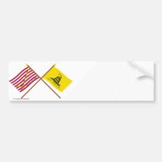 Marina de guerra cruzada Jack y bandera de Gadsden Pegatina De Parachoque