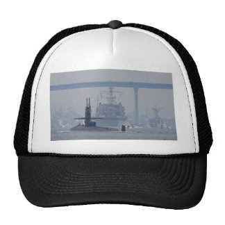 Marina de guerra de las naves nucleares de los sub gorras de camionero
