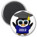 Marina de guerra del pingüino del muchacho y gradu imán de nevera